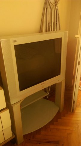 2.el 105 ekran gri tüplü tv