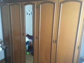 ahşap eski tip yatak odası gardolabı