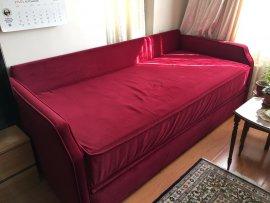 geniş kırmızı 3lü koltuk